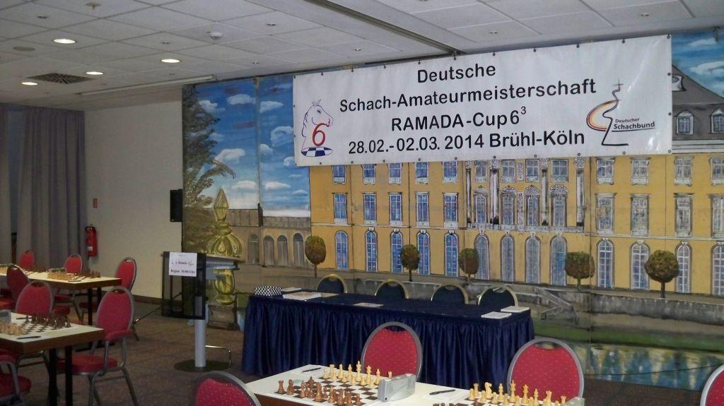 Tisch der Schiedsrichter beim RAMADA-Cup in Brühl 2014 (c) Thilo Götze