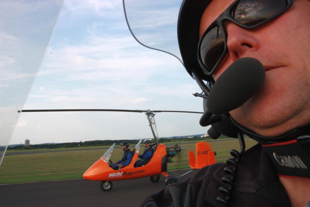 Gyrokopter.rundflug.Bonn.Bruehl.Phantasialand.Haus-am-See-BnB.Bild1